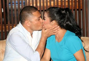 KD dan Raul Ciuman Bibir